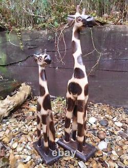 Fair Trade Hand Carved Made Wooden Safari Giraffe Set Of 2 Sculptures Ornaments